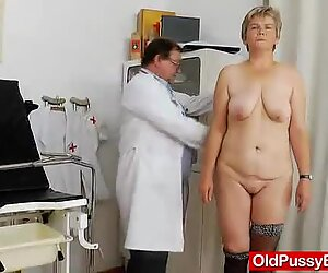 Milf gyno done right with a spekula