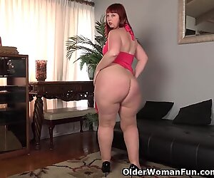 USA milf Scarlett lets you love her phat saddle bag hips