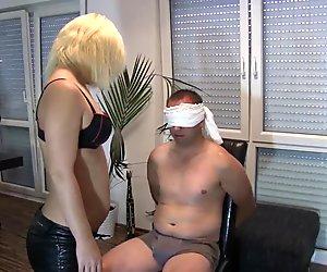 Blonde Maus geil drauf Part I - bostero