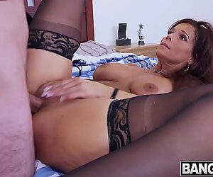 Syren De Mer Her Pussy And Ass Fucked Messy Cream Pie