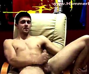 Home alone Peter Lucky from Hammerboys TV