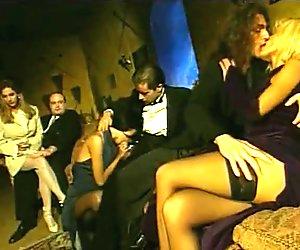 Group scene in Cronaca nera 3  La clinica della vergogna