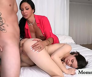 Mature milf Jewels Jade horny threesome in the bedroom