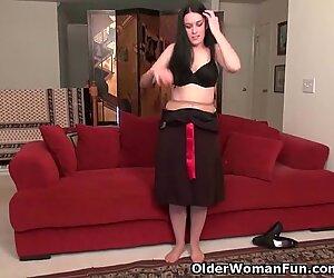 Nyloned soccer milf Nyla Parker undressing off