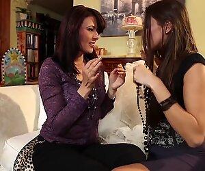 SEXYMOMMA - Pretty teen made cum by busty lesbian