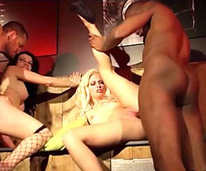 Interraced.com Hotties nailed in interracial foursome