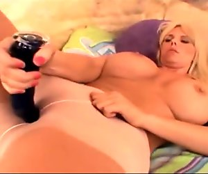 Pantyhose Babe With Massive Tits Sucks Cock - Fitzgerald Media