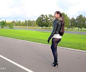 Jeny Smith black pantyhose pretends to be leggings.