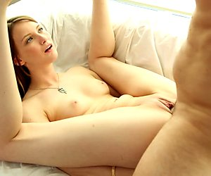 Sophia Wilde loves to get a thick shaft between her lips