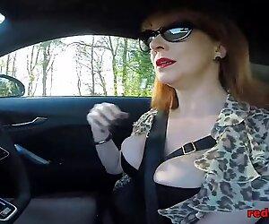 Gros Nichons Britannique Femme Mûre Red Draining dans la Vointure