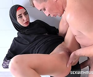 Perfect Street Worker Gets Cum On Hair