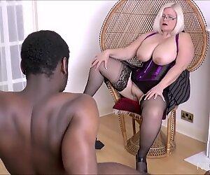 Taureau aux teintes sombres déchire une chatte blanche de femme mûre