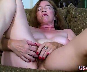 Usawives poilu mamie pusssy baisée avec un jouet sexuel
