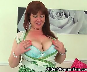 British mum Janey fucks her wooly cunny with a faux-cock