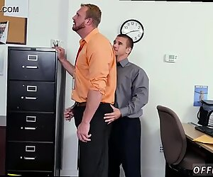 Homo sex bileet -videogalleria myöhemmin hänen johtajansa auttoi häntä löytämään a
