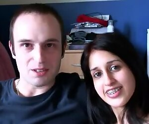 Indian girl Zarina Mashood makes a hot oral sex video with her boyfriend