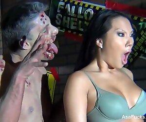 Bts trên As akira's zombie halloween set
