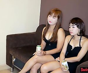 Thai party ladies nail a Farang in this amateur threeway