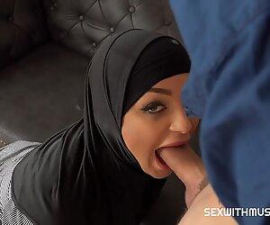 Modern evli kadın cezalandırma olarak becerdin piercing ve dövme ile