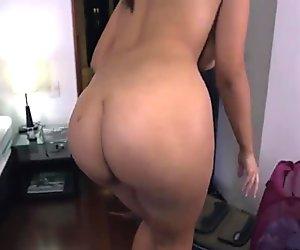 Amateur brunette natural tits latina Sofia