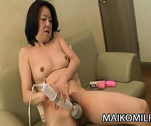 Junko sakashita - ультра-похотливые яв бабушка кремпай от молодого человека-мяса