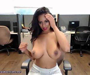 Amateur Indian Masturbates Her Desi Pussy In Public Office At Work