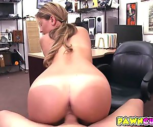 Fucking the waitress so good and busted on her face