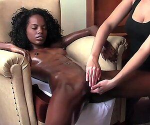 Потрясающие чёрные молодёжь оргазмы после массажа на стуле