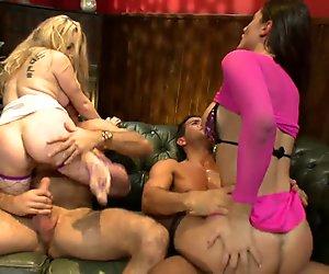 Salacious pornstars organize an inviting orgy at their apartment